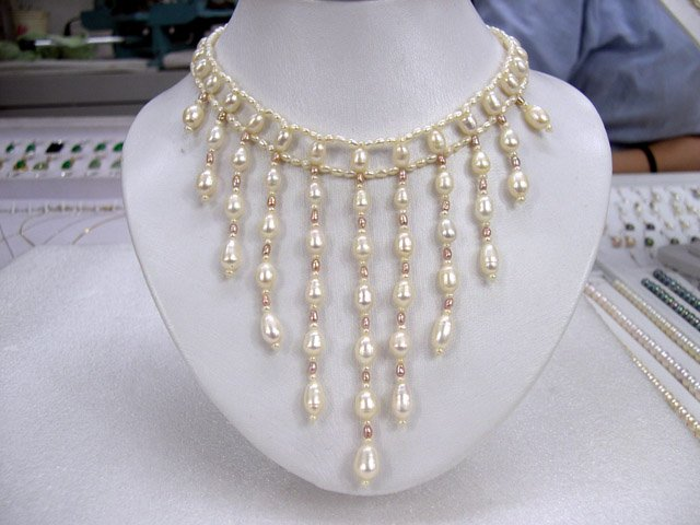 3Row Handmade ATTRACTIVE white Cultured Pearl Necklace