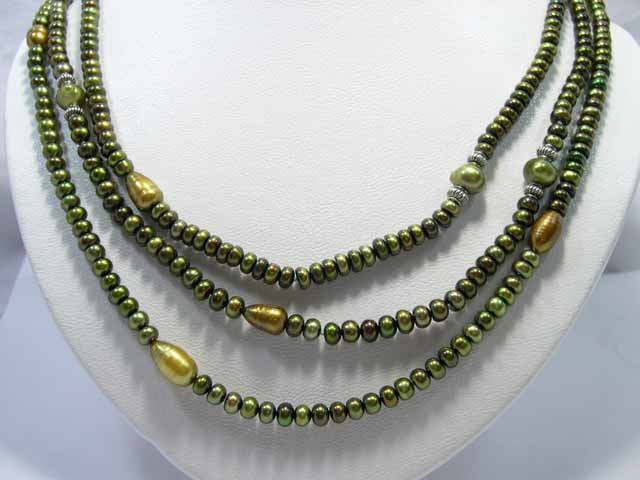 3row Green Cultured Pearl NECKLACE& jade clasp