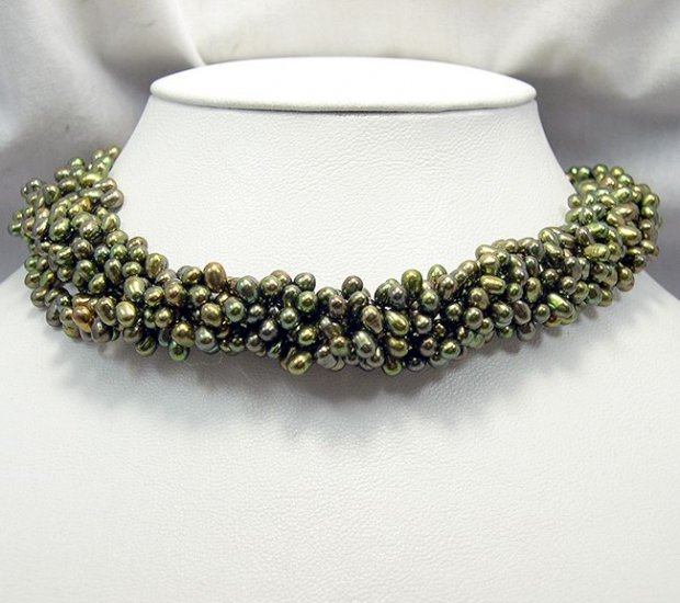 5rows High Luster Peacock Green Cultured Pearl Necklace