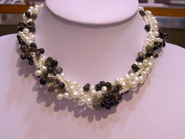 Beautiful 4rows Cultured Pearl & Garnet NECKLACE 925s