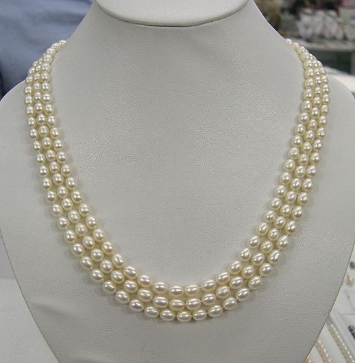 CHARMING 3rows WHITE Cultured Pearl Necklace 925s
