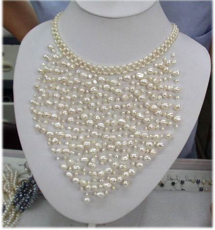 Charming! Handmade White Cultured Pearl Necklace