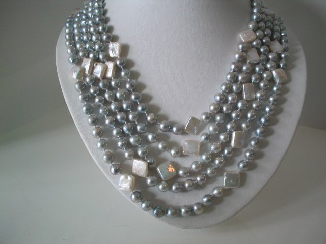 Excelent 5 row silver seawater cultured pearl necklace
