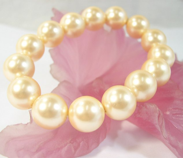 Excellent 14mm yellow south sea shell pearl bracelet