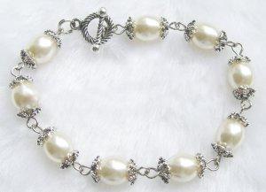 UNIQUE WHITE Genuine Cultured Pearl Bracelet