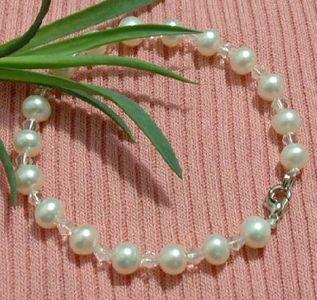 White Genuine Cultured PEARL&CRYSTAL BRACELET