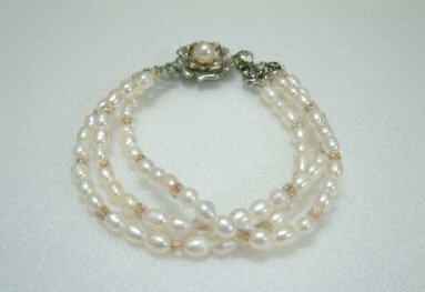 beautiful 3rows 7.5'' white Cultured Pearl Bracelet