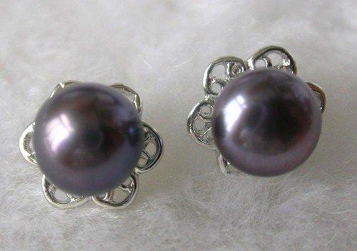 Beauty 8.5mm black FW pearl flower earring