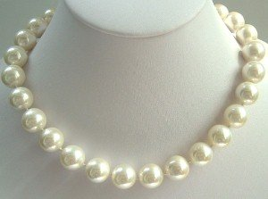 17'' 12mm white sea shell pearls necklace