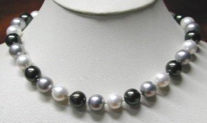 17'' 12mm white&gray&black sea shell pearl necklace