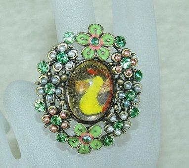Rhinestone ring lovely green