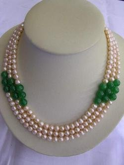 CULTURED NICE REAL JADE AND PEARL NECKLACE