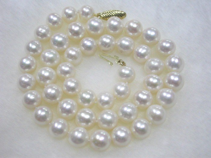 STUNNING AA 11mm round pure white pearls Necklace 14k gold