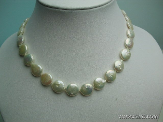 16'' 12mm white pearl button shape necklace
