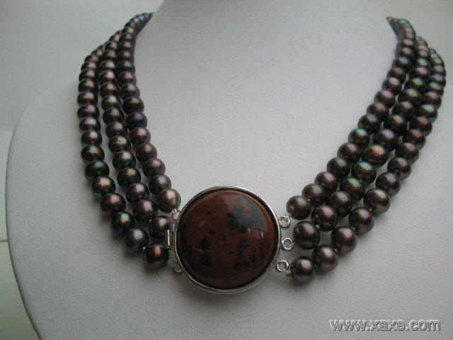 "17""""-19"""" 3-row black pearl necklace w/ stone clasp"