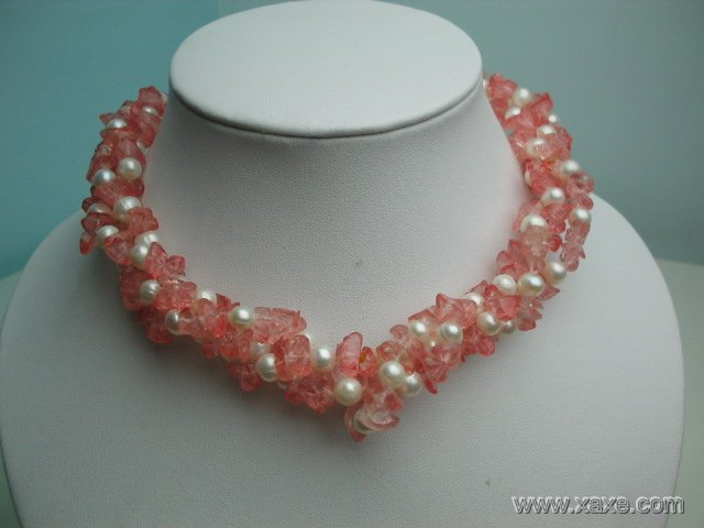 17'' twisted white pearl and pink crystal necklace