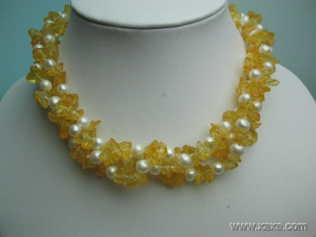 17'' twisted white pearl and yellow crystal necklace