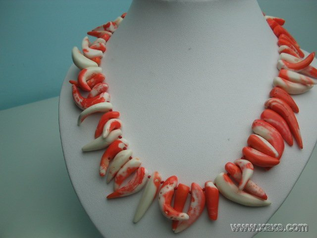 """18"""""""" big pink-white elephant tooth coral necklace"""