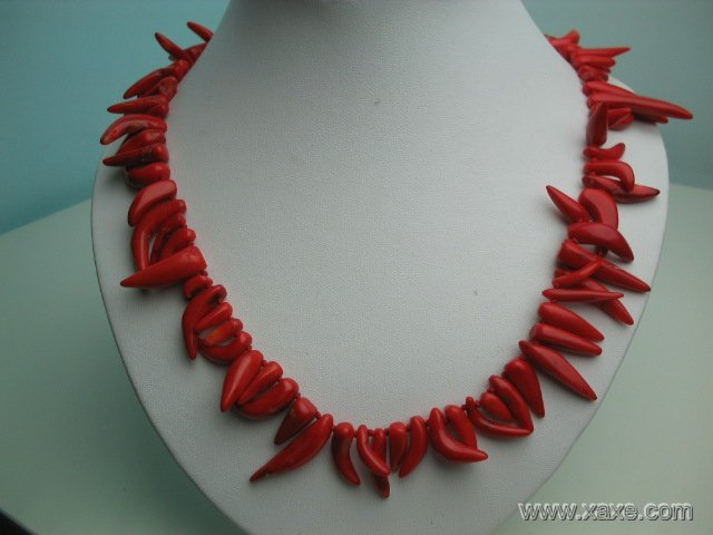 """18"""""""" big red elephant tooth coral necklace"""