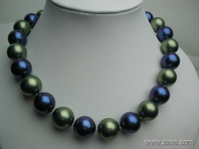 "Huge 17"""" 16mm blue and green seashell pearl necklace"