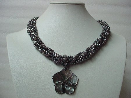 19'' 7-STR BLACK FW PEARL SHELL PENDANT NECKLACE