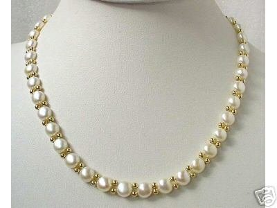 WHITE FW PEARL NECKLACE SET