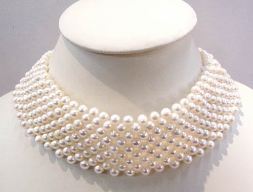 15'' white freshwater pearl necklace chocker