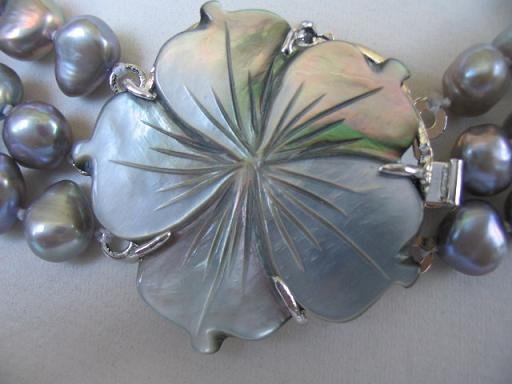 1 pc gray color flower shell clasp