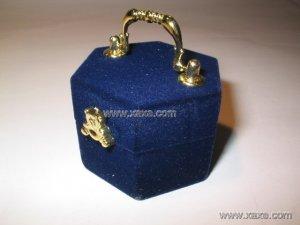 handle velvet jewelry box