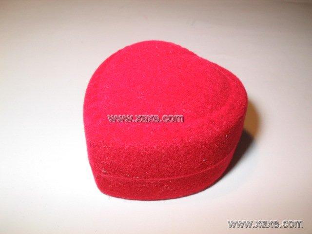 heart velvet jewelry box