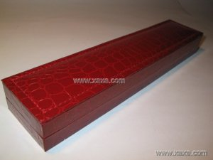 rectangular leatheroid jewelry box