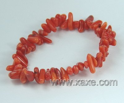 Lovely pink-red coral chip bracelet