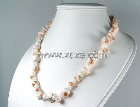 Lovely shell necklace d