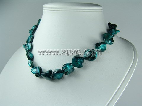 Lovely 15mm shell bead necklace- peacock green