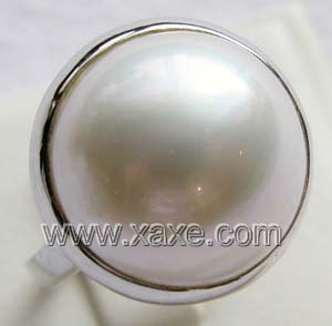 Luxurious 17mm white mabe pearl ring 14K