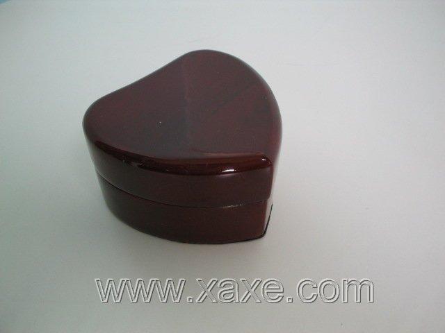 Brown rose wood heart-shape box