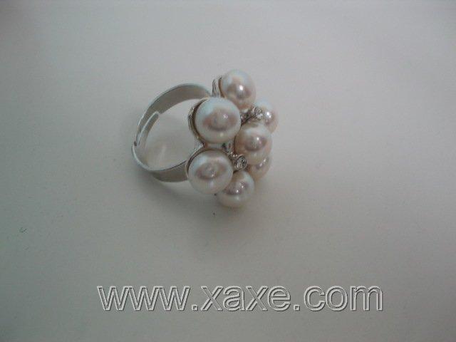 Flower 7pcs freshwater pearl ring - white