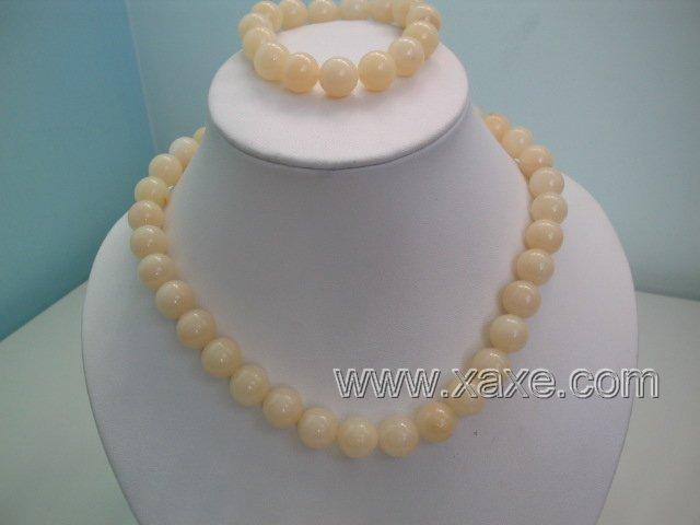 "17"""" ivory jade necklace and elastic bracelet set"