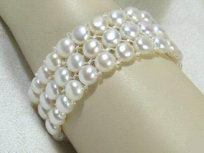 3 strand white button pearl bracelet