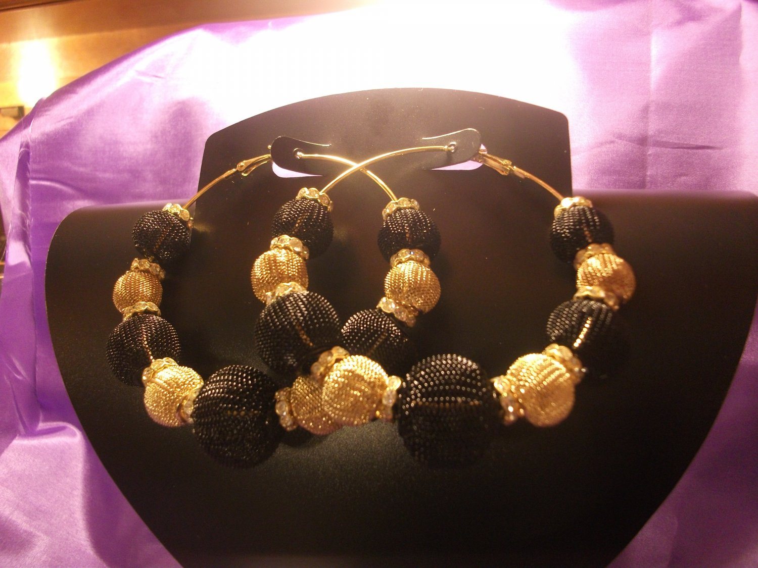 3 inch Black/Gold Basketball wives