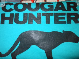 couger hunter t-shirt small