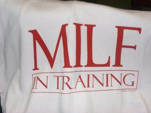 MILF I N T-SHIRT MED