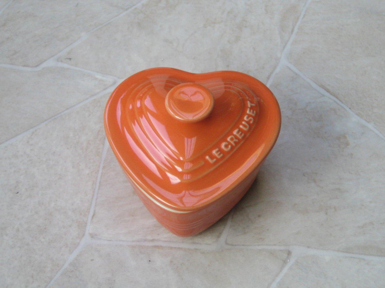 Le Creuset Stoneware ramekins Heart shape Orange New