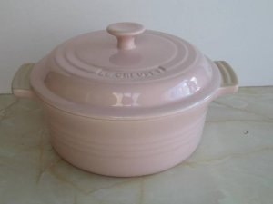 Le Creuset Stoneware 2 Quart Covered Round Casserole, Pink
