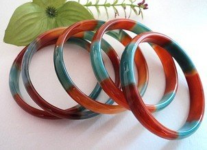 Two-color agate bracelet, hand-carved agate bracelet. (Each price)