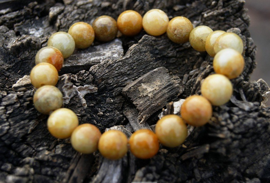 Handmade natural ginger yellow jade, 10 mm, 20 per bead bracelet, rubber bands strung
