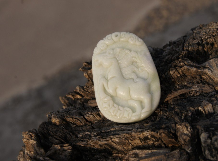 Hand-carved natural jade pendant, ( horse ) . Necklace Pendant 43x31x7mm