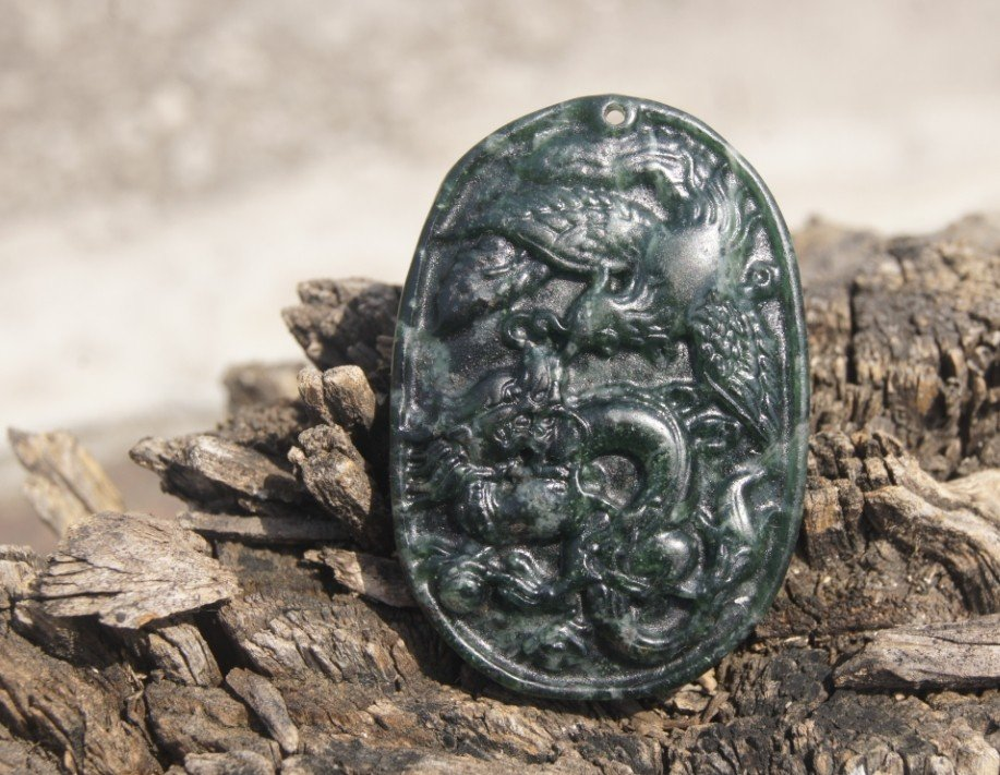 Tian Qingyu natural and hand-carved dragon and phoenix ( oval ) . Necklace Pendant 49x34 � 7mm