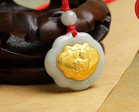 Gold inlaid jade (talisman) ChangMingSuo necklace pendant (tiger)