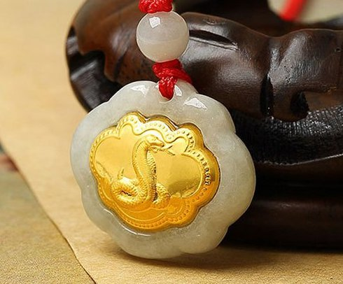 Gold inlaid jade (talisman) ChangMingSuo Chinese zodiac (snake) necklace pendant